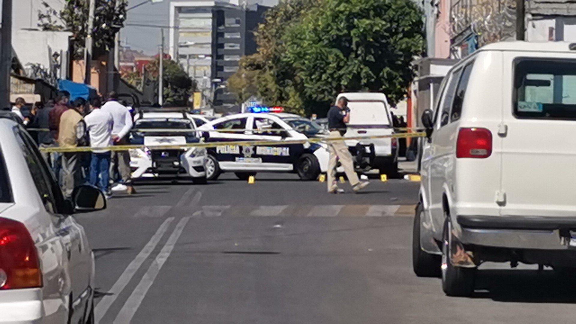 MUEREN DOS POLICÍAS TRAS ENFRENTAMIENTO CON LADRONES EN TLALNEPANTLA
