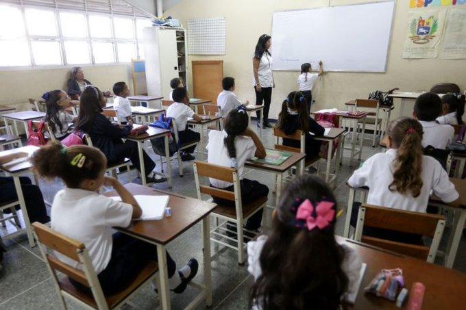 ESCUELAS PRIVADAS BUSCARÁN REANUDAR CLASES PRESENCIALES EN FEBRERO