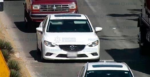 POLICÍAS RECUPERAN UN VEHÍCULO REPORTADO COMO DESAPARECIDO EN CALIMAYA