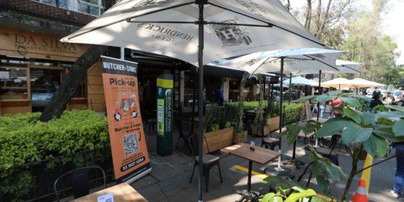 Restaurantes solicitarán abrir en interiores