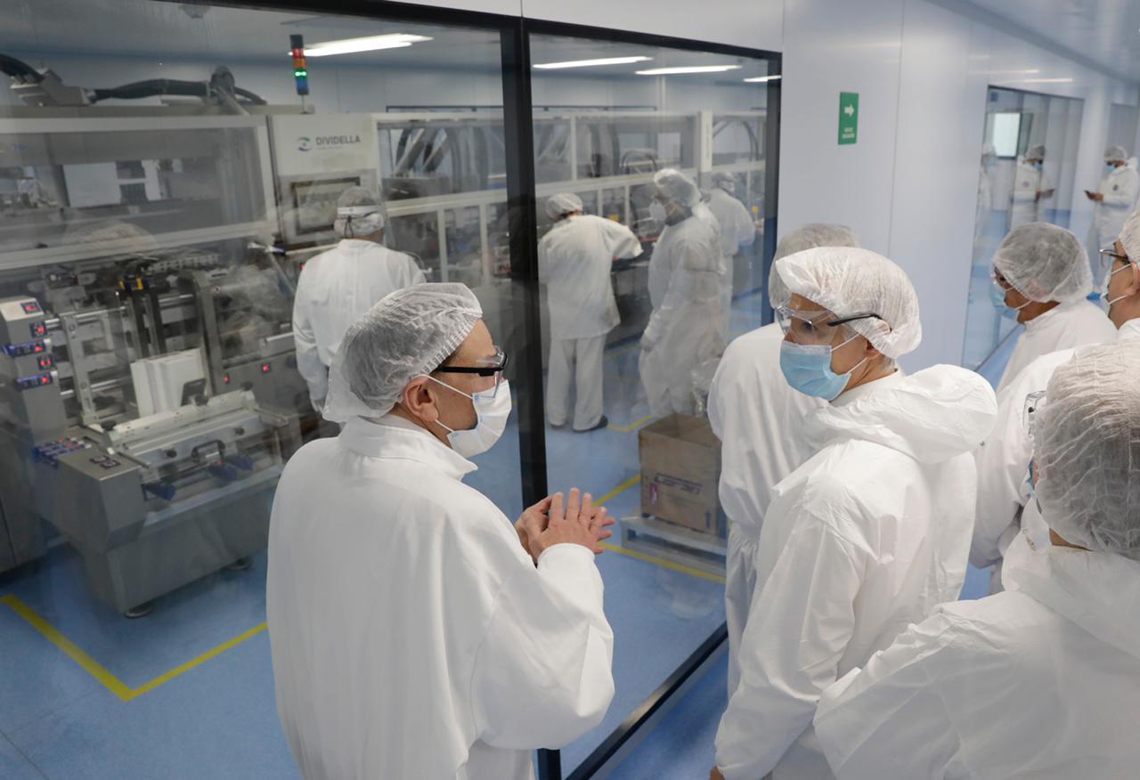 visita al Laboratorio de la Planta Liomont