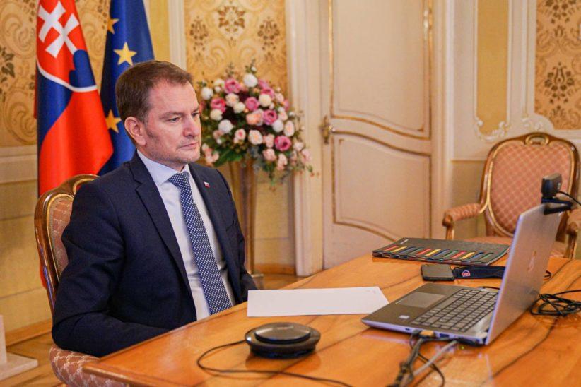 SIN AUTORIZACIÓN DE LA UE ESLOVAQUIA RECIBE PRIMER LOTE DE LA VACUNA SPUTNIK V