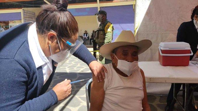 EN EDOMÉX VAN MÁS DE 120 MIL MEXIQUENSES VACUNADOS CONTRA COVID-19