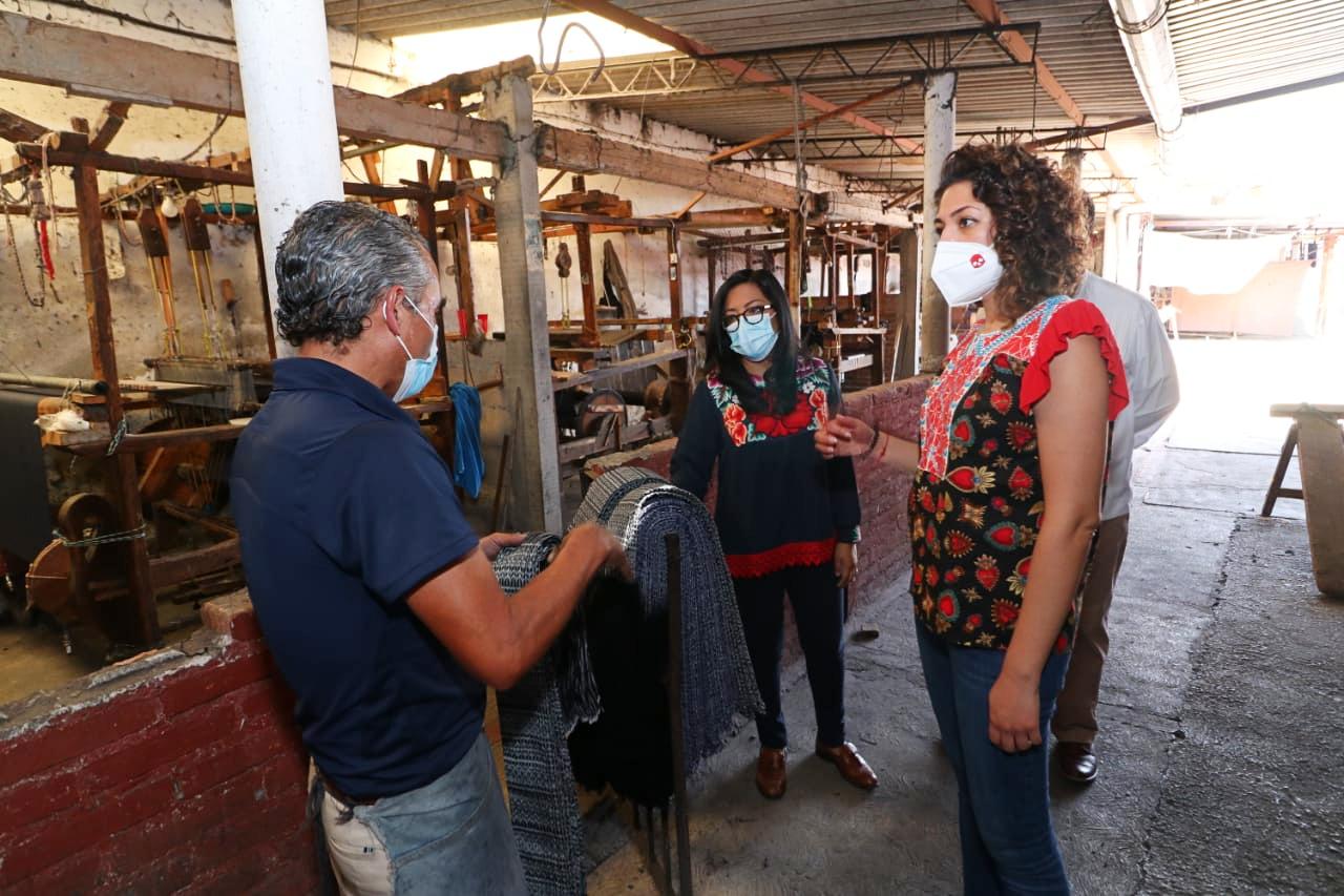 IMPULSAN PRODUCCIÓN DE TALLERES ARTESANALES TEXTILES EN CALIMAYA Y TENANCINGO