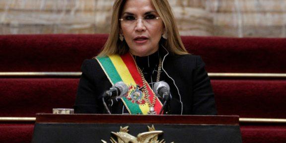 FISCALÍA DE BOLIVIA ORDENA ARRESTAR A JEANINE ÁÑEZ