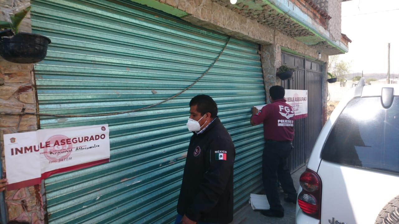ASEGURAN ARMAS Y DROGA DURANTE CATEO EN ATLACOMULCO