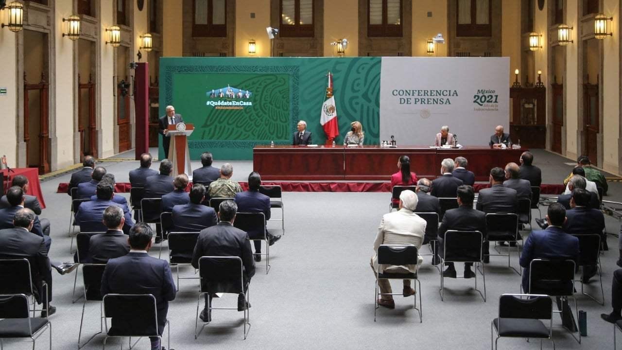 GOBERNADORES ACUDEN AL PALACIO NACIONAL PARA REFRENDAR EL ACUERDO NACIONAL POR LA DEMOCRACIA