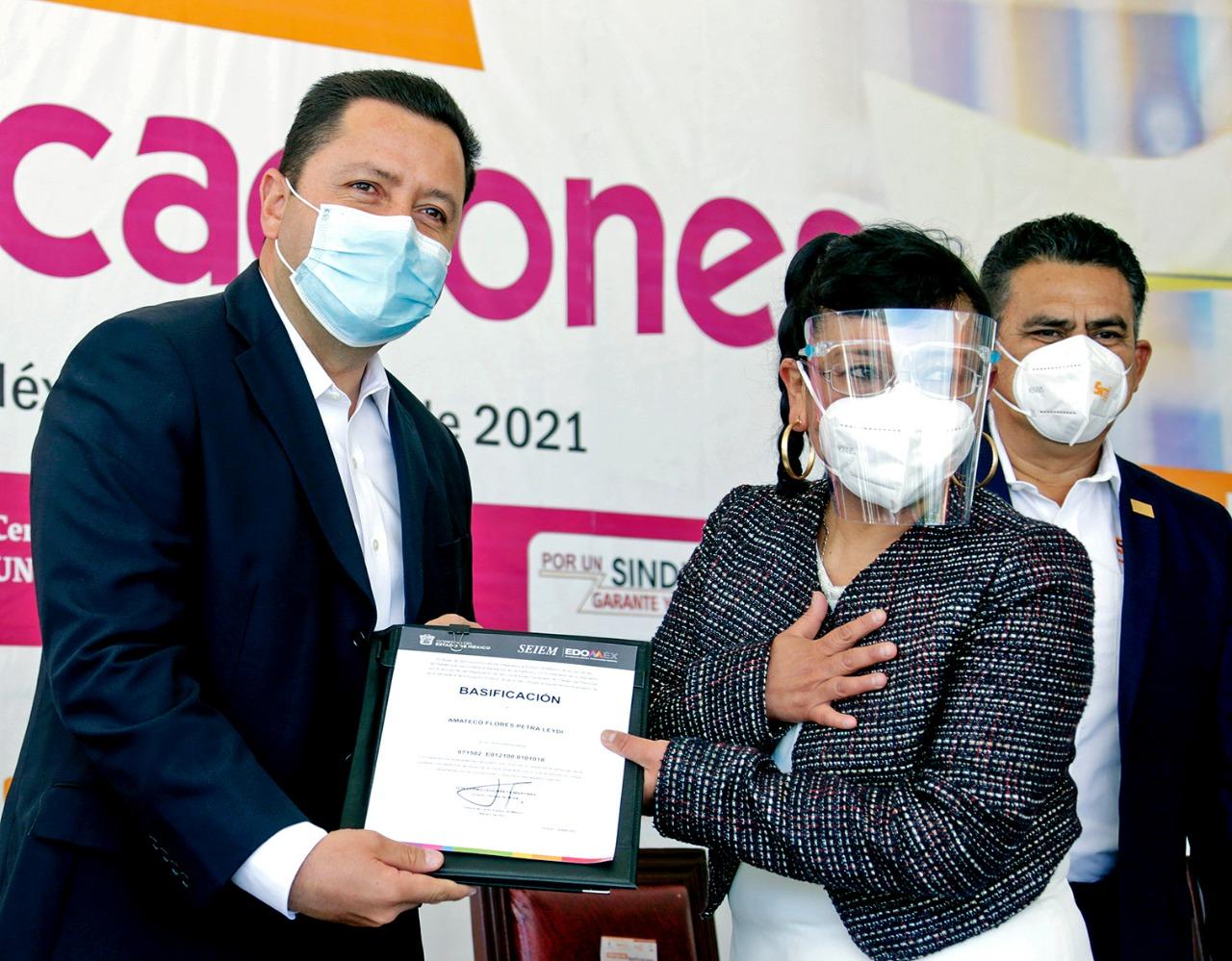 RECONOCEN A DOCENTES FEDERALIZADOS DEL EDOMÉX CON CONSTANCIAS DE BASIFICACIÓN