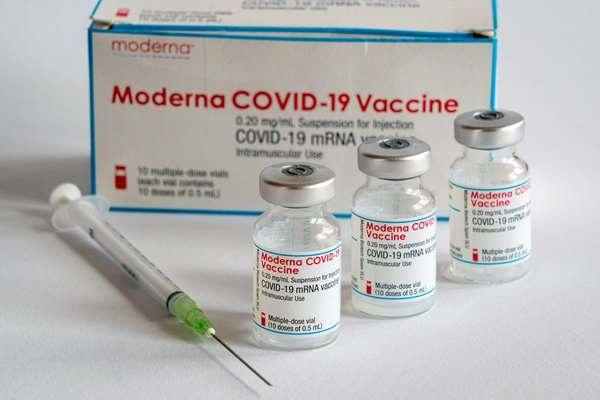 VACUNA DE MODERNA BRINDA 6 MESES DE INMUNIDAD CONTRA EL COVID-19
