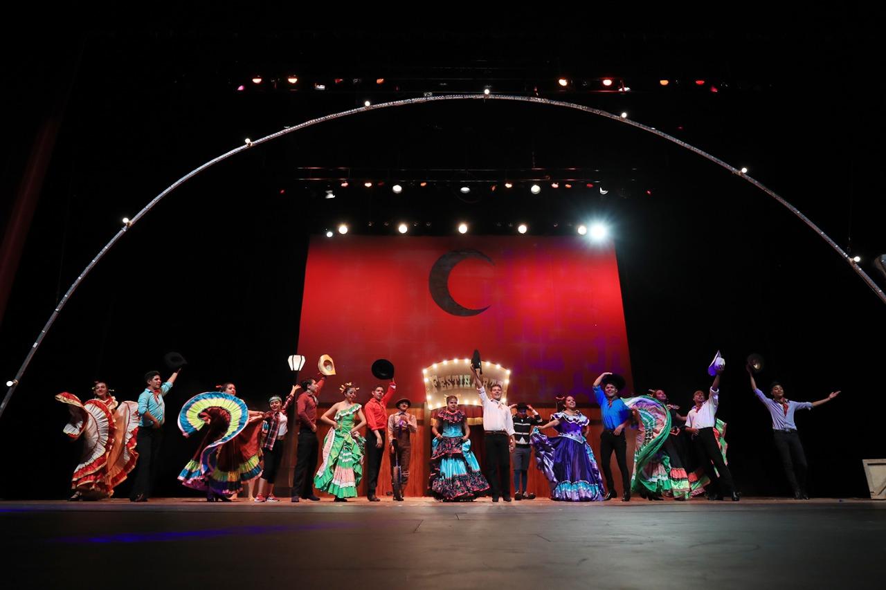 "GALERÍA: ASÍ ARRANCÓ ""FOLKCLOWN, BAILE DE LA RISA"" A FESTÍNARTE 2021"