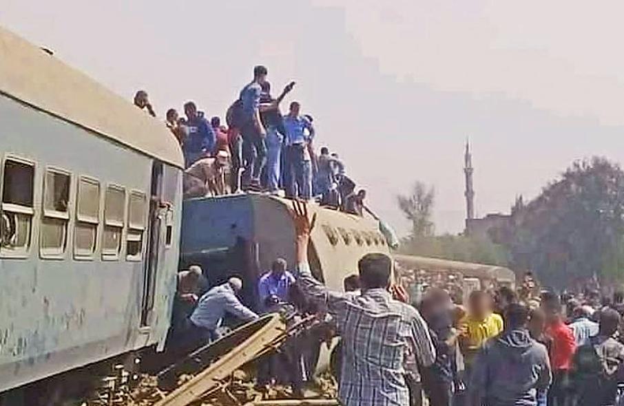 ACCIDENTE FERROVIARIO EN EGIPTO DEJA CASI UN CENTENAR DE HERIDOS