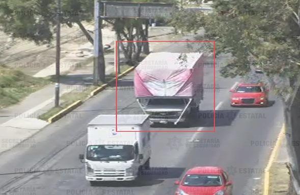 RECUPERAN CAMIONETA DE CARGA CON REPORTE DE ROBO EN TOLUCA