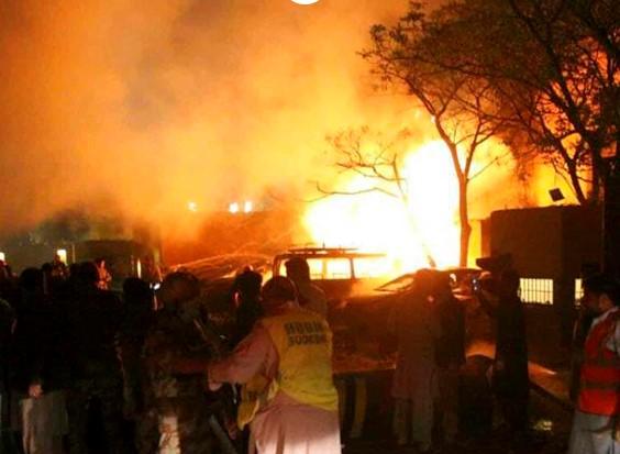 EXPLOTA BOMBA EN HOTEL DE PAKISTÁN; DEJA CUATRO MUERTOS Y 12 HERIDOS
