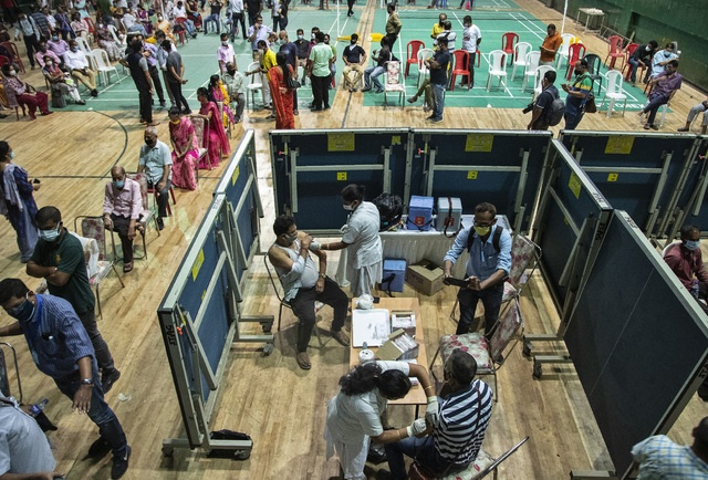 INDIA BATE RÉCORD MUNDIAL CON CASI 315 MIL CONTAGIOS EN UN DÍA