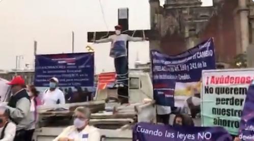CUENTAHABIENTES DE BANCO FAMSA PIDEN LES REGRESEN SUS AHORROS