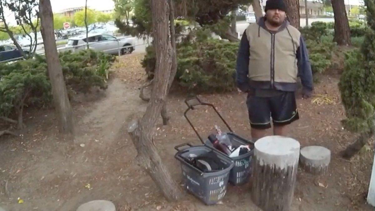 POLICÍAS DE CALIFORNIA SON ACUSADOS DE ASESINAR A JOVEN HISPANO