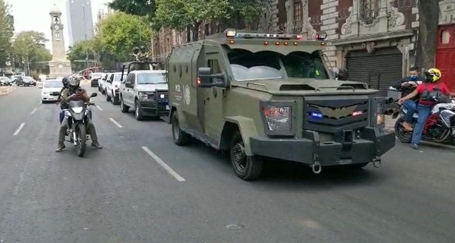 """VIDEOS: ASÍ TRASLADARON AL """"GÜERO PALMA"""" DE LA SEIDO A CENTRO DE ARRAIGO"""