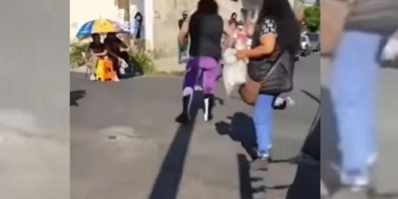 """LUCHADOR """"EL VIKINGO"""" AGREDE A UN NIÑO DURANTE FUNCIÓN DE LUCHA LIBRE EN LA CDMX"""