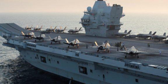 PORTAAVIONES HMS QUEEN ELIZABETH TOCARÁ PUERTO EN 40 PAÍSES