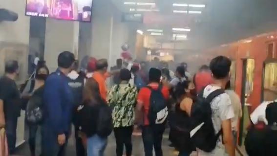 USUARIOS DEL METRO CDMX REPORTAN AFECTACIONES EN LA ESTACIÓN SAN LÁZARO