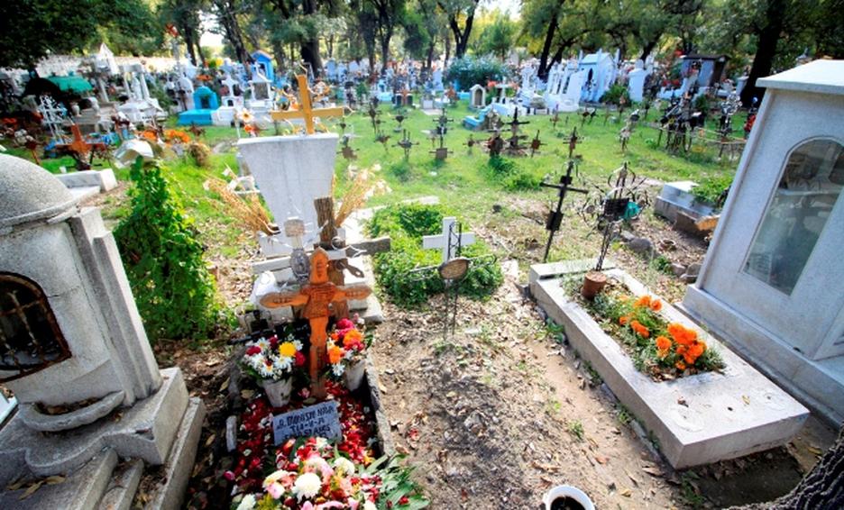 MÉXICO REBASA LAS 228 MIL 800 MUERTES POR COVID-19
