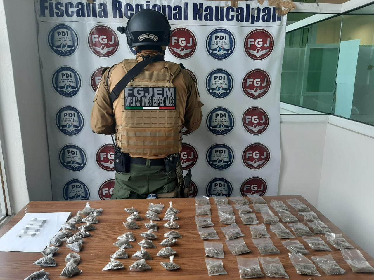 DESMANTELAN PUNTO DE VENTA DE DROGA EN NAUCALPAN