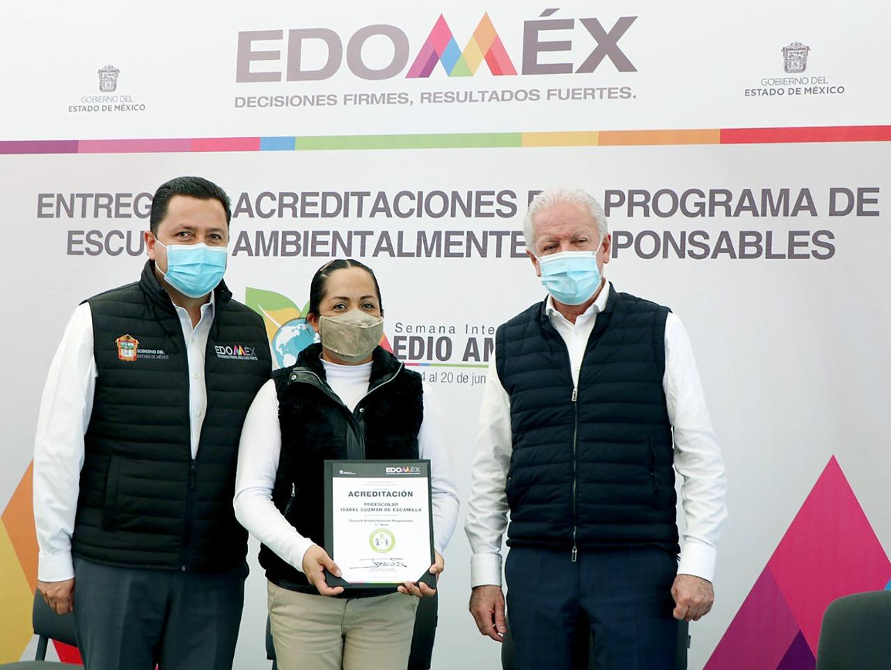 """RECIBEN 120 PLANTELES EDUCATIVOS ACREDITACIÓN DEL PROGRAMA """"ESCUELAS AMBIENTALMENTE RESPONSABLES"""""""