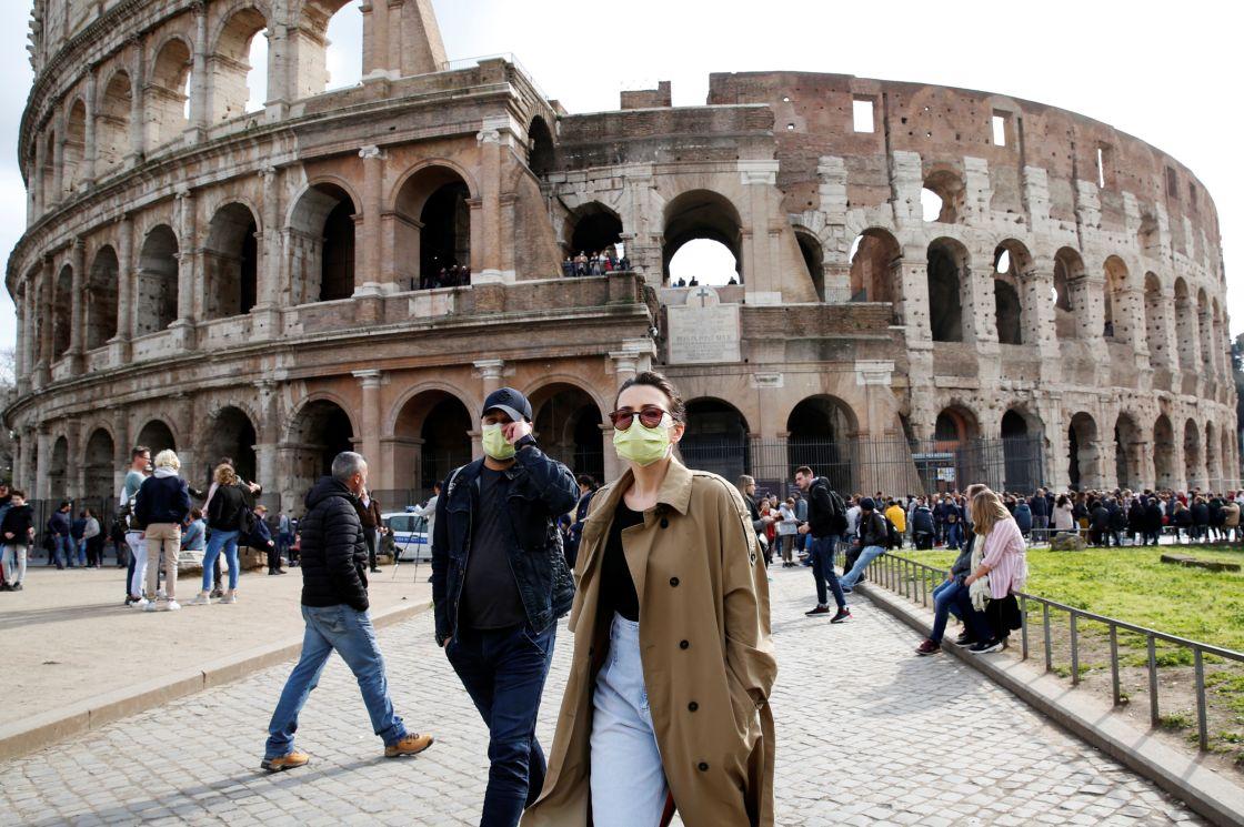 ITALIA ELIMINARÁ EL USO DEL CUBREBOCAS EN ESPACIOS ABIERTOS