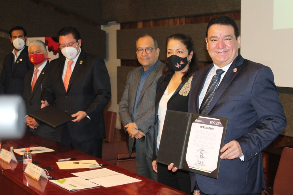 ENCABEZA MARTHA HILDA GONZÁLEZ CALDERÓN TOMA DE PROTESTA DE LAS COMISIONES DE LOS CONGRESOS LABORAL Y DEL TRABAJO