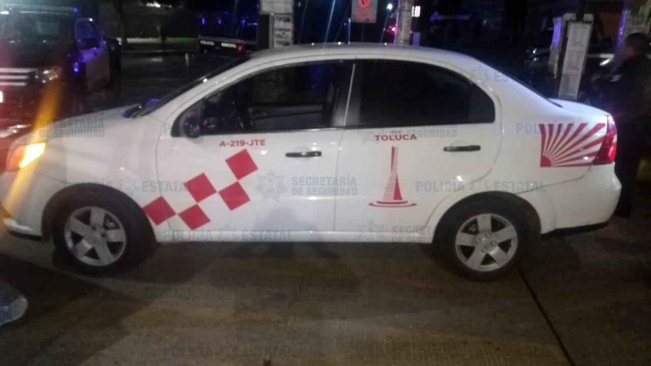 ASEGURAN AUTOMOTOR CON CROMÁTICA DE TAXI PROBABLEMENTE UTILIZADO EN EL ROBO DE OTRA UNIDAD