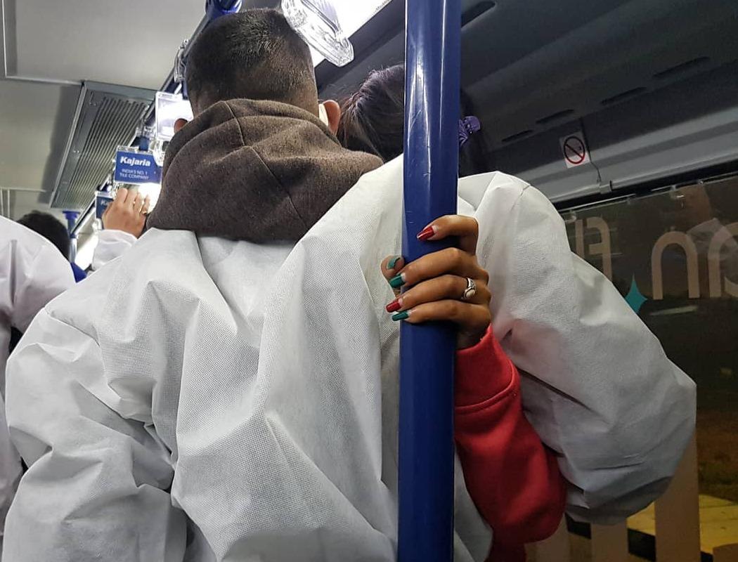 INDIA SE ENCUENTRA CERCA DE LAS 421 MIL MUERTES POR COVID-19