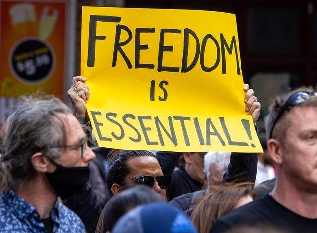 PROTESTAN EN AUSTRALIA CONTRA LA CUARENTENA IMPUESTA POR COVID-19