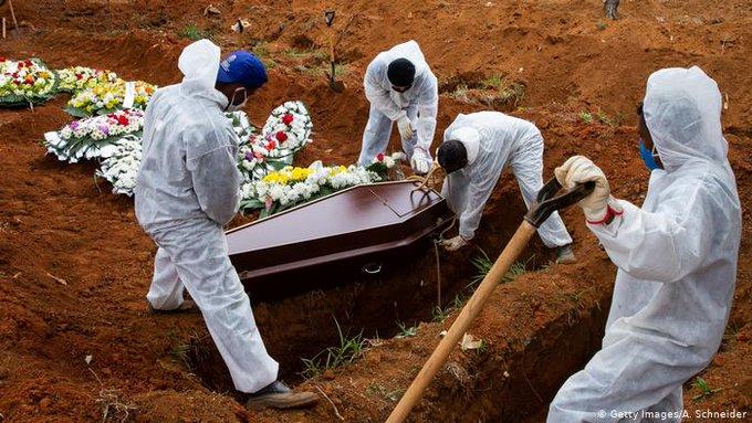 BRASIL REGISTRA AL MENOS MIL MUERTOS DIARIOS POR COVID-19