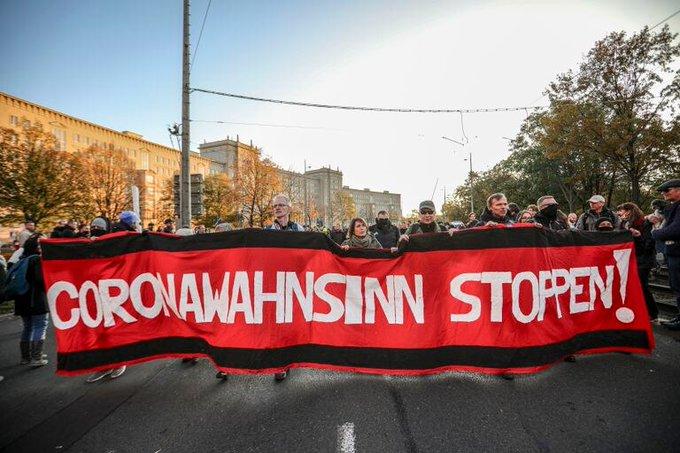 PROTESTAS ANTICOVID EN ALEMANIA GENERAN ENFRENTAMIENTOS