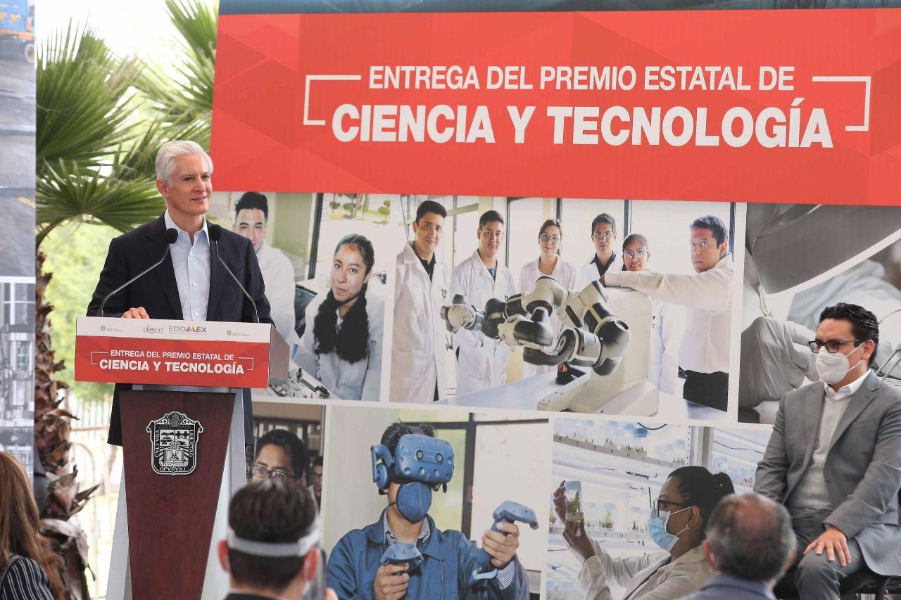 ALFREDO DEL MAZO ENTREGA PREMIO ESTATAL DE CIENCIA Y TECNOLOGÍA