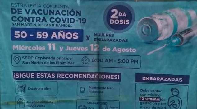 ADULTOS DE 50 A 59 AÑOS ACUDEN A VACUNARSE EN SAN MARTÍN DE LAS PIRÁMIDES