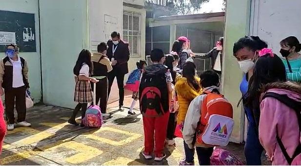 NIÑOS REGRESAN A LAS AULAS DE FORMA PRESENCIAL EN MÉXICO