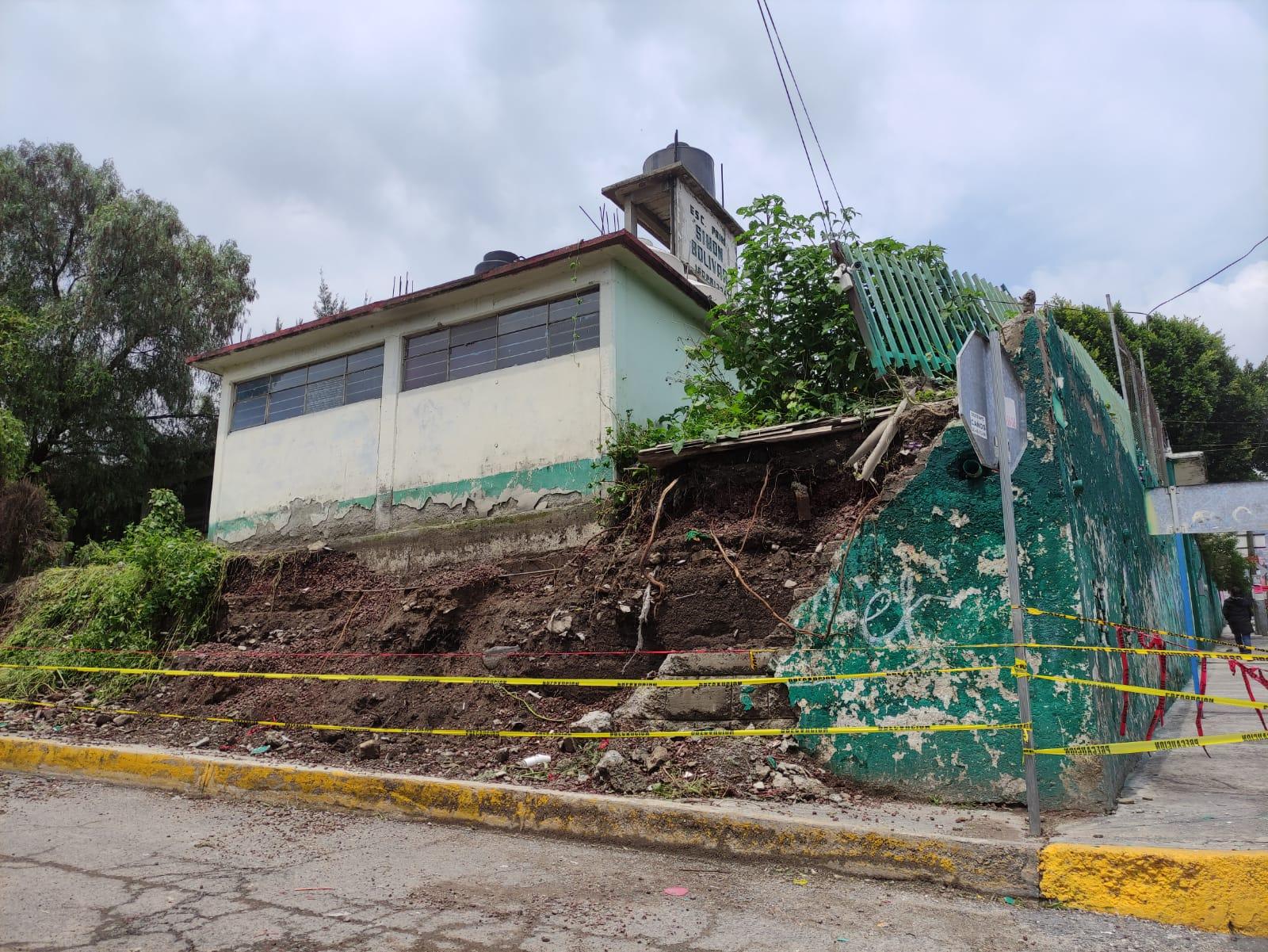 FUERTES LLUVIAS PROVOCAN DAÑOS EN ESCUELA DE ECATEPEC