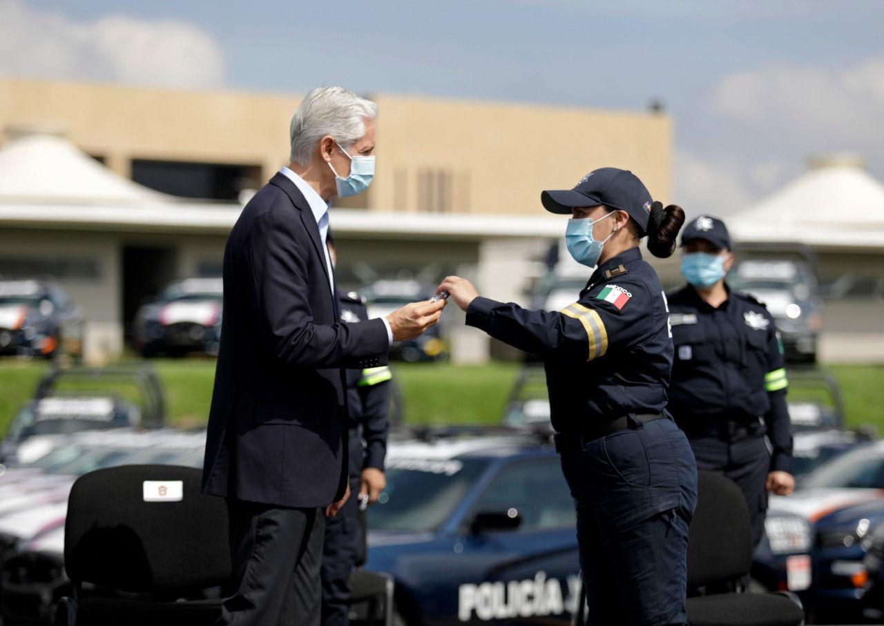 ALFREDO DEL MAZO ENTREGA MÁS DE 400 UNIDADES PARA REFORZAR SEGURIDAD EN EL EDOMÉX