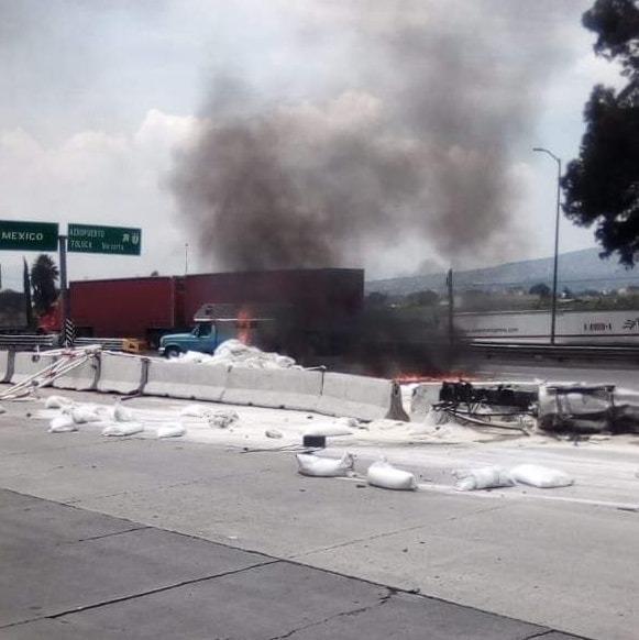 ACCIDENTE EN LA CASETA MÉXICO-PUEBLA DEJA DOS PERSONAS FALLECIDAS