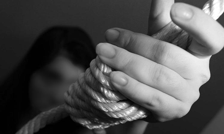 LA VIOLENCIA PUEDE PROVOCAR EN LAS MUJERES PENSAMIENTOS SUICIDAS
