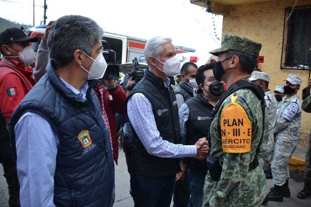 ALFREDO DEL MAZO INFORMA QUE EVACUARON ALREDEDOR DE 80 VIVIENDAS EN LA ZONA DEL CERRO DEL CHIQUIHUITE