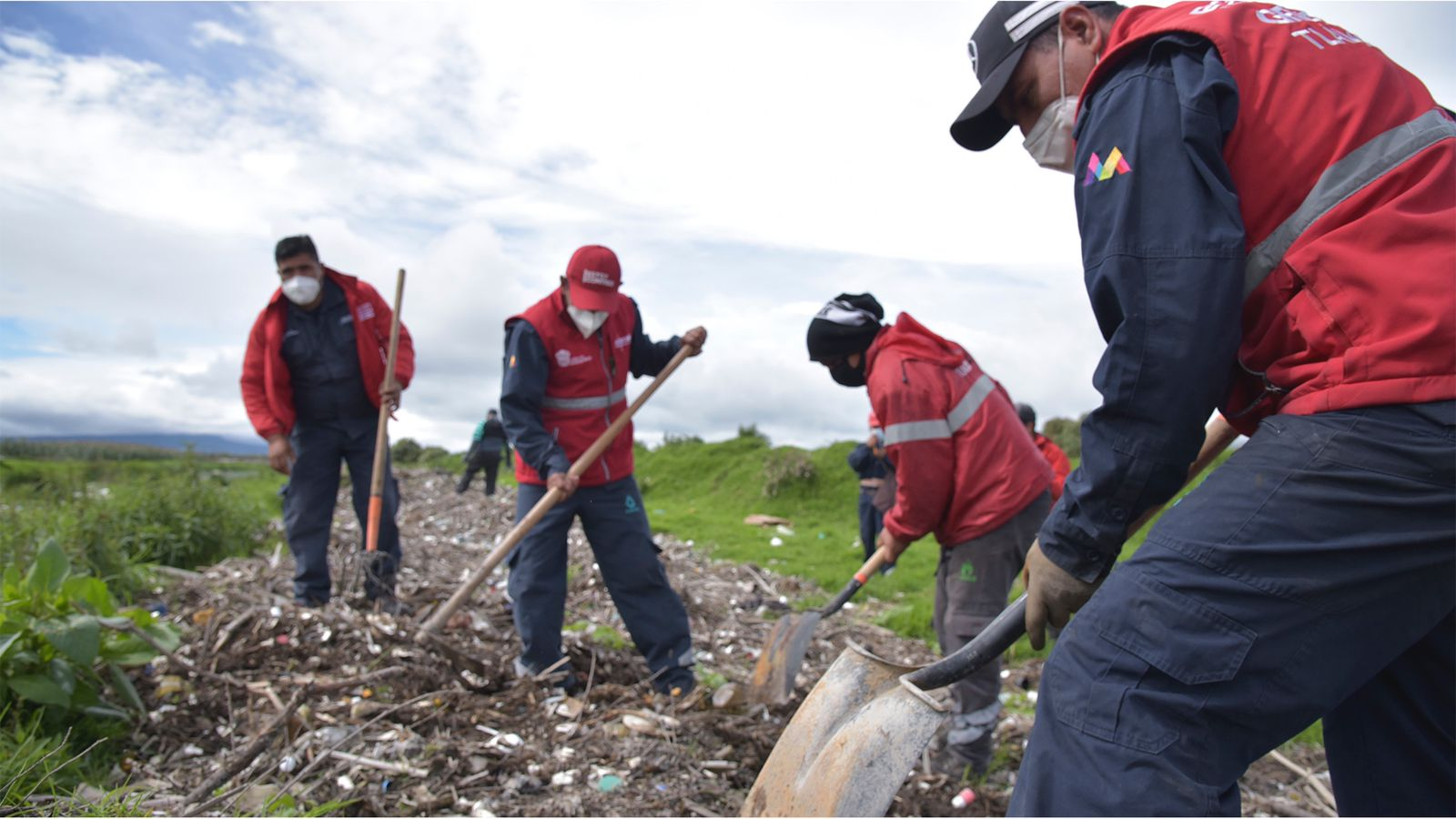 COLABORA CAEM CON CONAGUA Y AUTORIDADES MUNICIPALES EN ACCIONES PREVENTIVAS EN EL RÍO LERMA