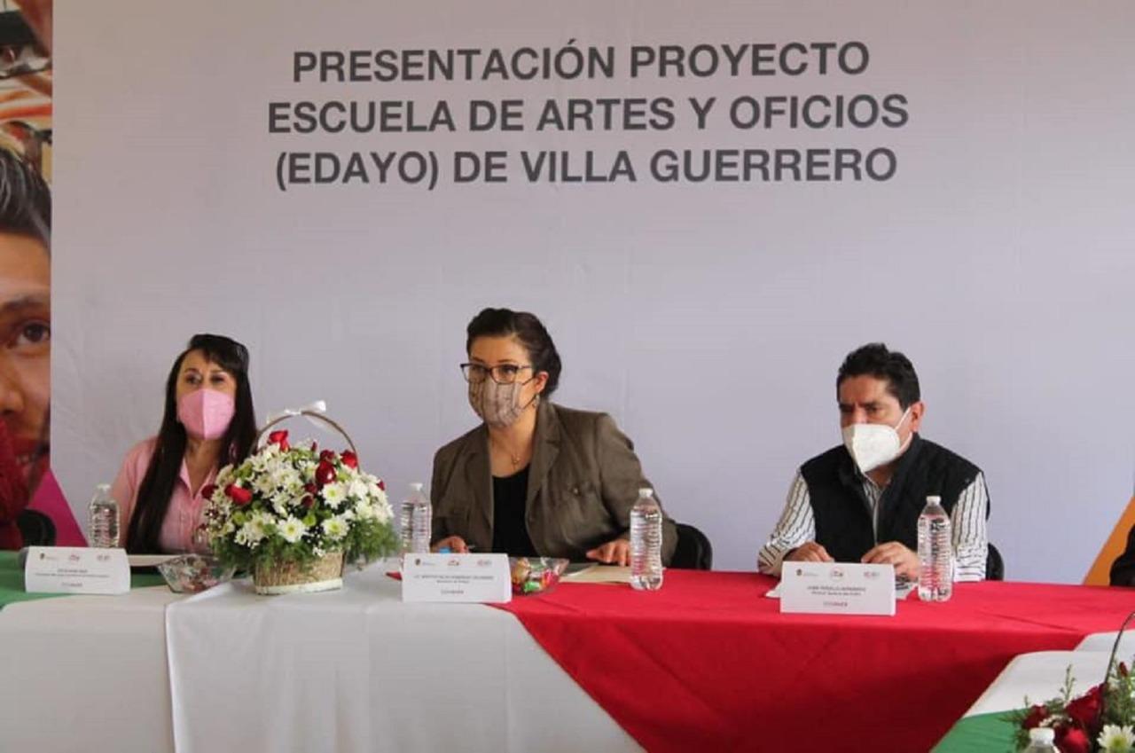 PRESENTAN A FLORICULTORES LOS AVANCES DE LA EDAYO DE VILLA GUERRERO