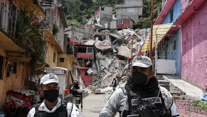 CERRO DEL CHIQUIHUITE: LOCALIZAN DOS CUERPOS EN LA ZONA DEL DERRUMBE