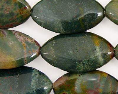 Bloodstone (rich coloring) Horse Eye 28x15mm