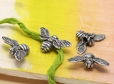 Green Girl Pewter Large Hole Honey Bee Pendant 34x18mm