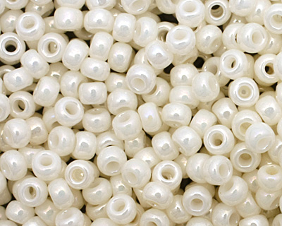 TOHO Opaque Lustered Navajo White Round 11/0 Seed Bead