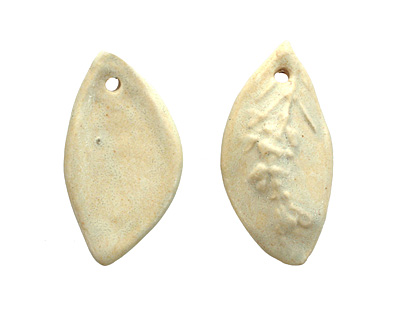 Gaea Ceramic Cream Rosemary Pendant 25-26x45-50mm