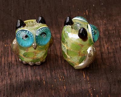 Grace Lampwork Green w/ Silver Metallic Free Style Owl 19-20mm